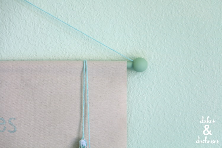 how to hang wall hanging