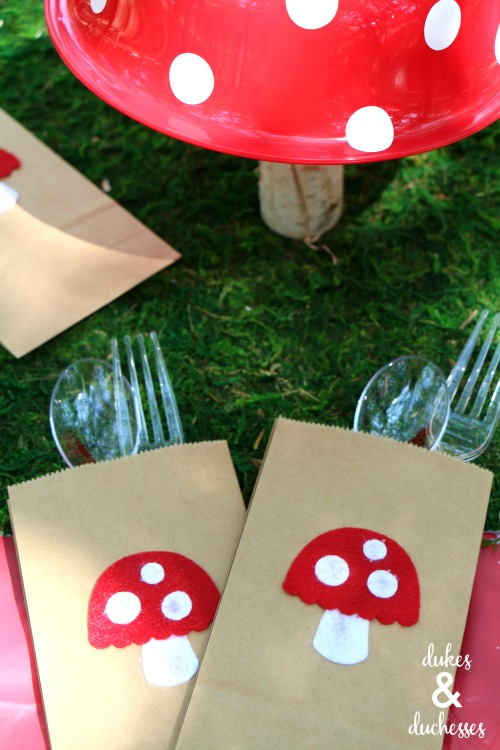 toadstool cutlery bag