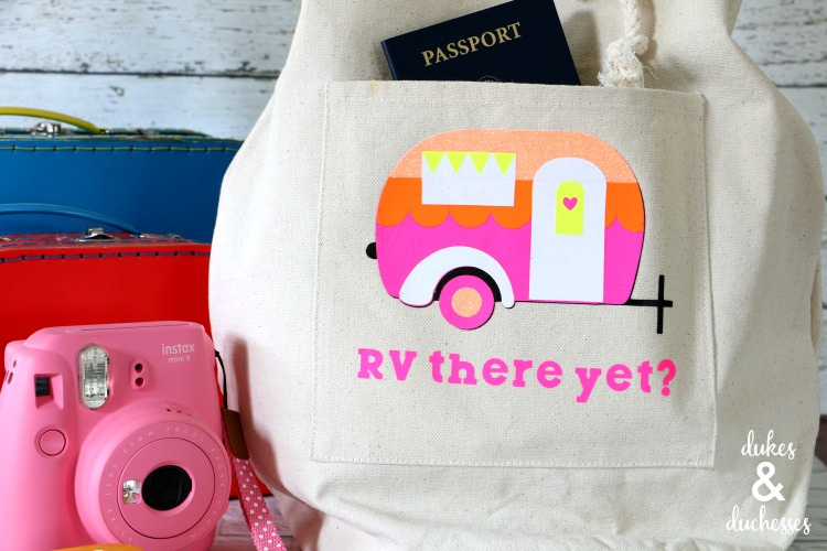Vintage Camper Travel Tote Made with the Cricut Maker and EasyPress 2