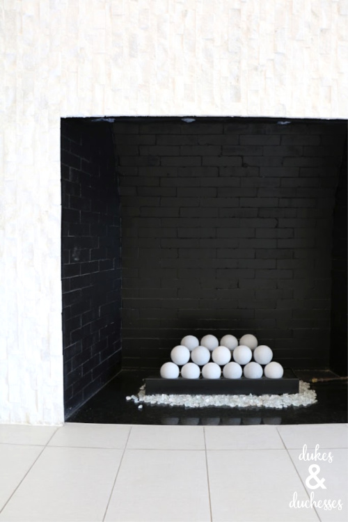 black and white modern fireplace decor