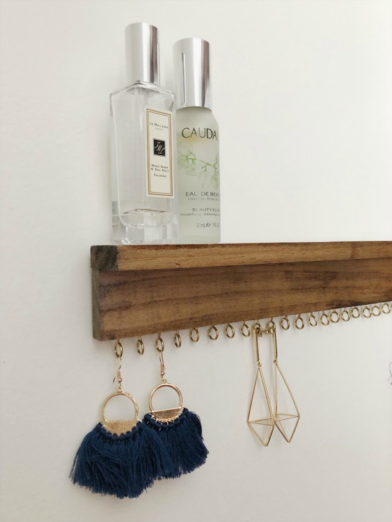 anthropologie style DIY jewelry organizer