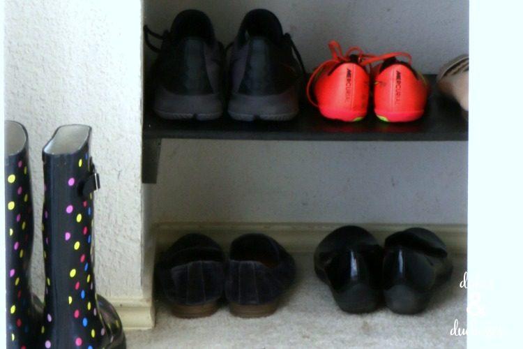 DIY closet shoe shelf