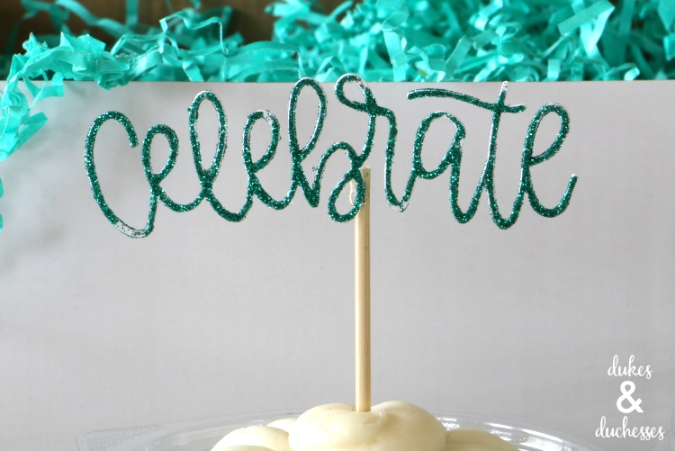 how to make a cake topper on cricut