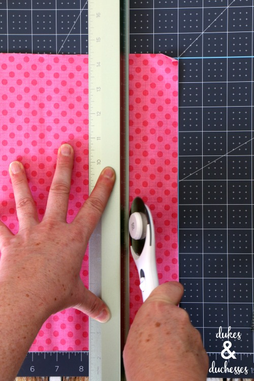 how to use cricut rotary cutter
