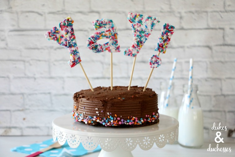 easy sprinkles cake topper
