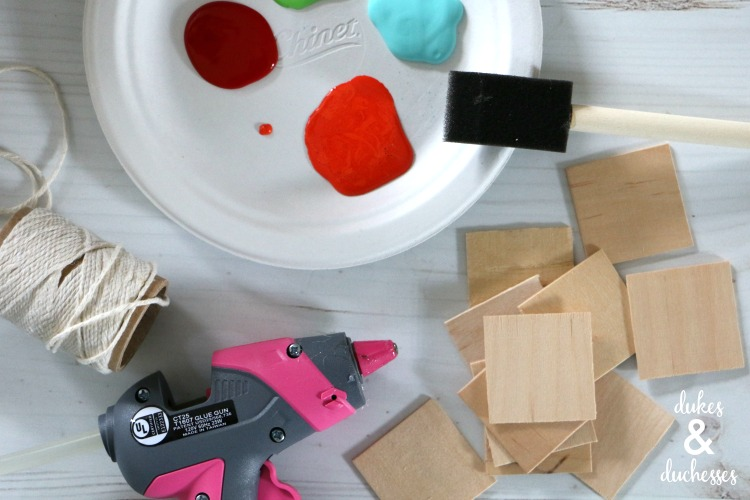 how to make a colorful wooden garland