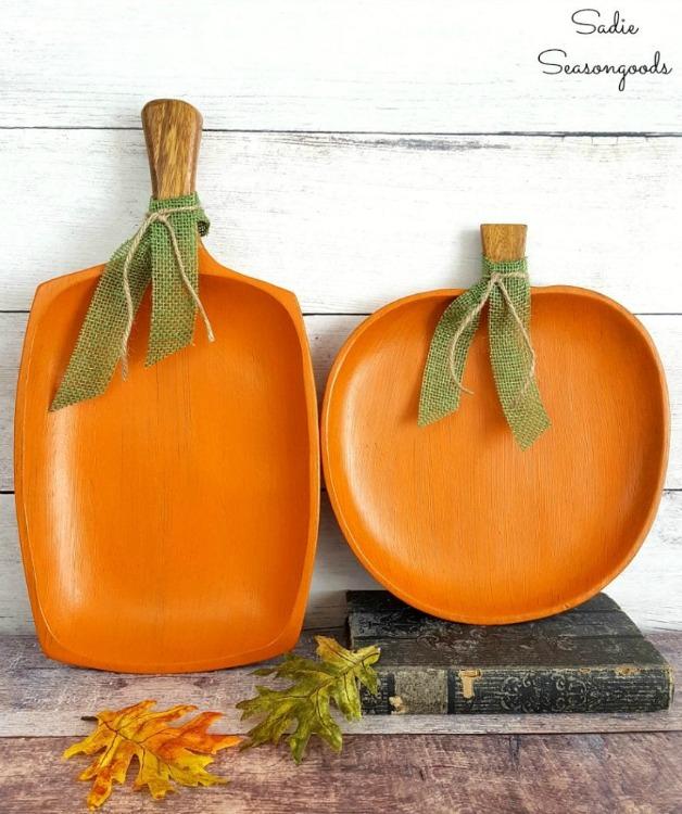 wood tray pumpkins