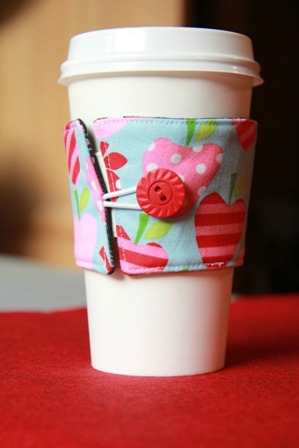 DIY reversible coffee cuff