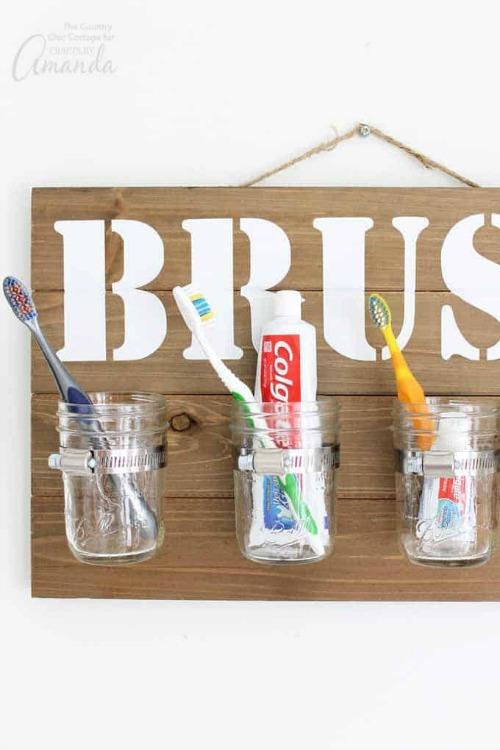 DIY mason jar bathroom organizer