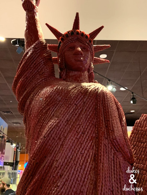 twizzler statue of liberty