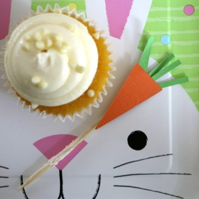 DIY paper carrot cupcake toppers for easter