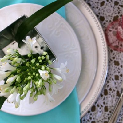 How to Create a Spring Tablescape with Plants