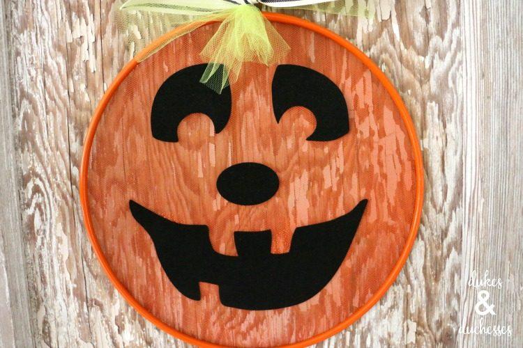 Upcycled Pumpkin Splatter Screen for Halloween